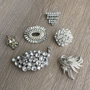 Vintage Jewelry - Vintage set of rhinestone scatter pins